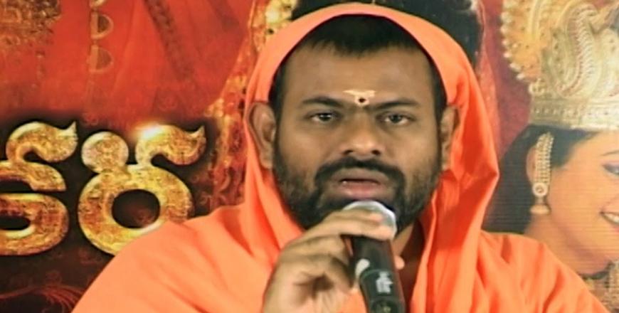 Paripurnananda calls KCR an Intellectual