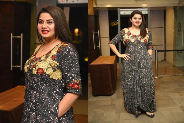 Actress Sangeetha Pics